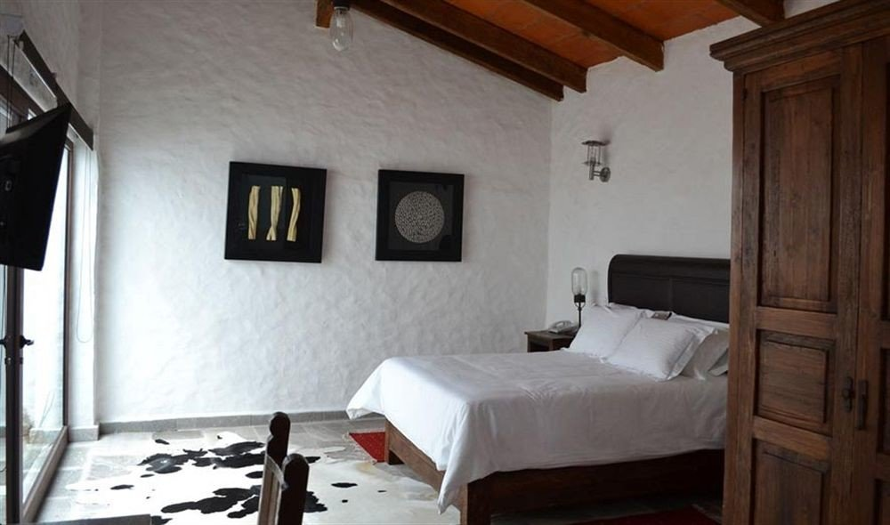Bedroom Hip Luxury Suite property building cottage house home Villa farmhouse loft