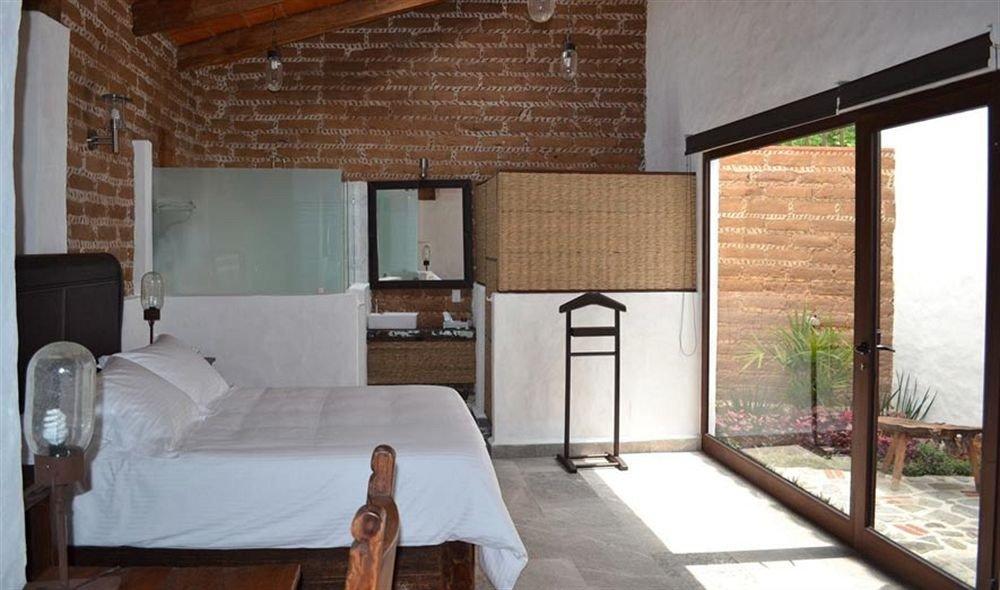 Bedroom Hip Luxury Suite property building cottage Villa home farmhouse loft