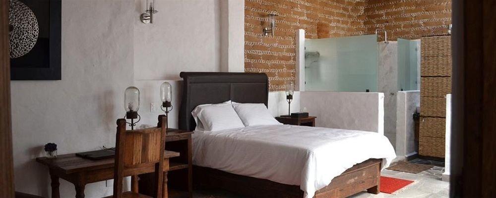 Bedroom Hip Luxury Suite property building cottage Villa farmhouse