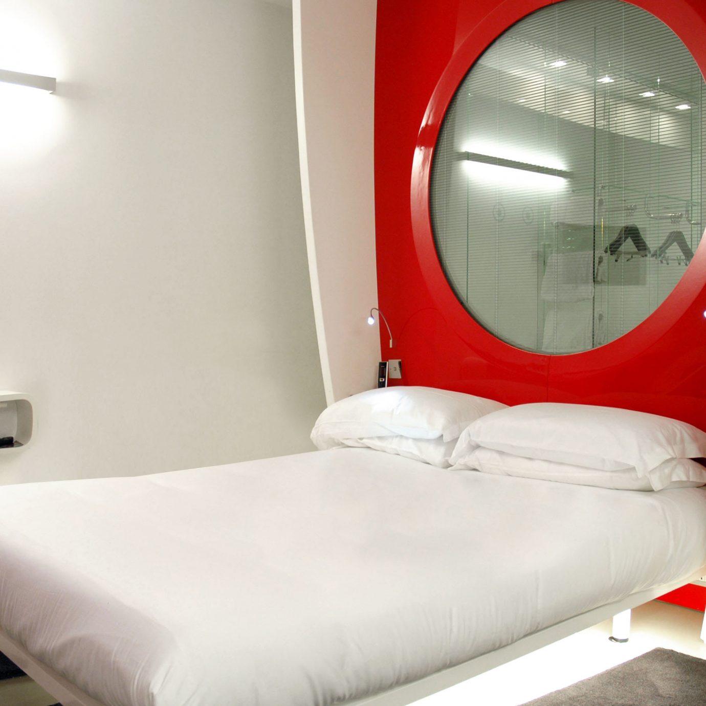 Bedroom Hip Modern red