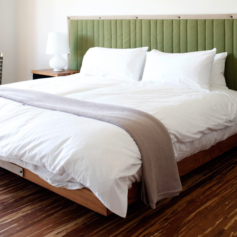 Bedroom Hip Modern wooden white bed frame bed sheet hardwood duvet cover Suite pillow cottage