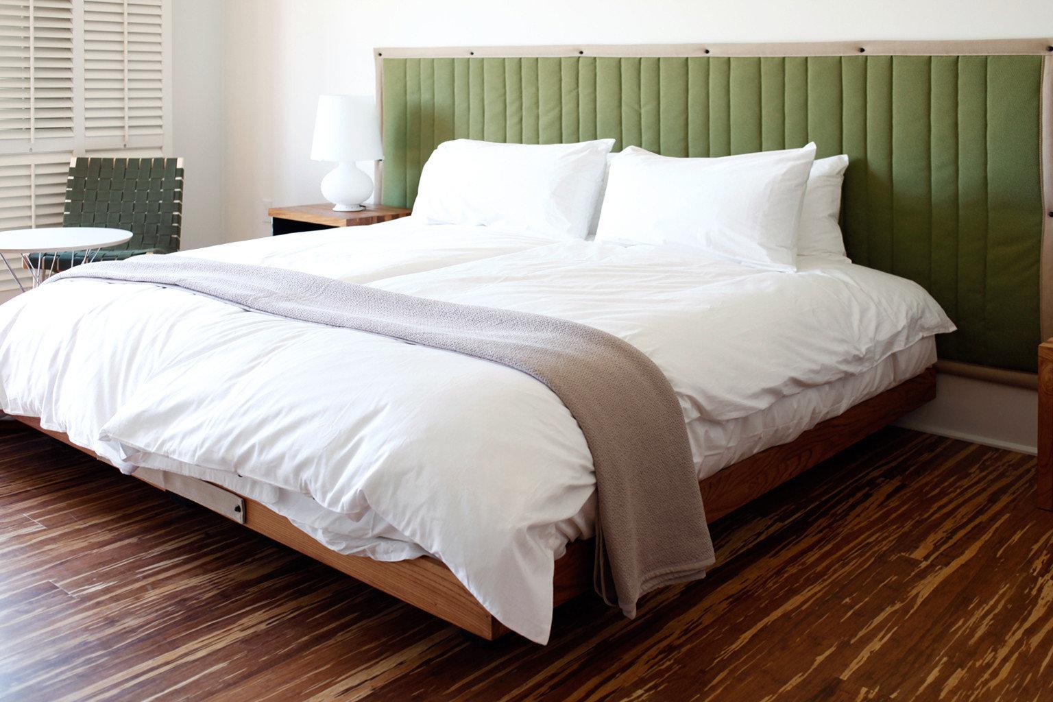 Bedroom Hip Modern wooden white bed frame bed sheet hardwood duvet cover Suite pillow cottage