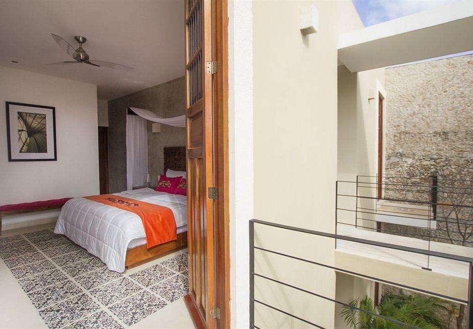 Bedroom Hip Modern Suite property cottage Villa condominium