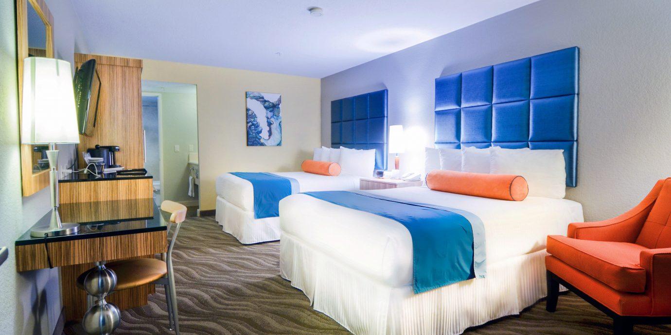 Bedroom Hip Suite property Villa Resort cottage living room
