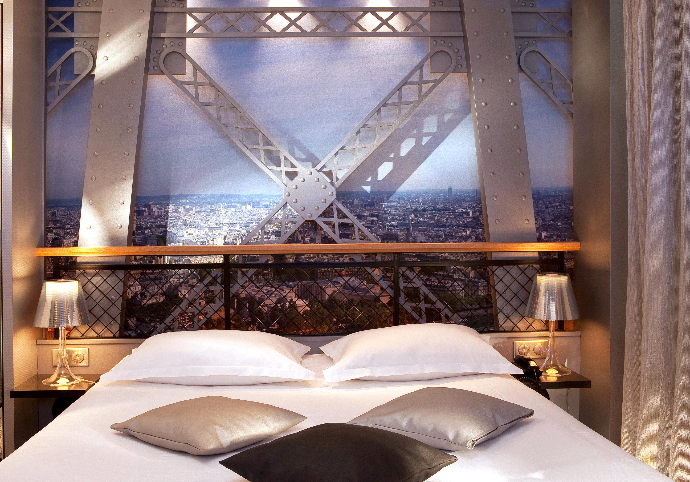 Bedroom Hip Romance Romantic white pillow