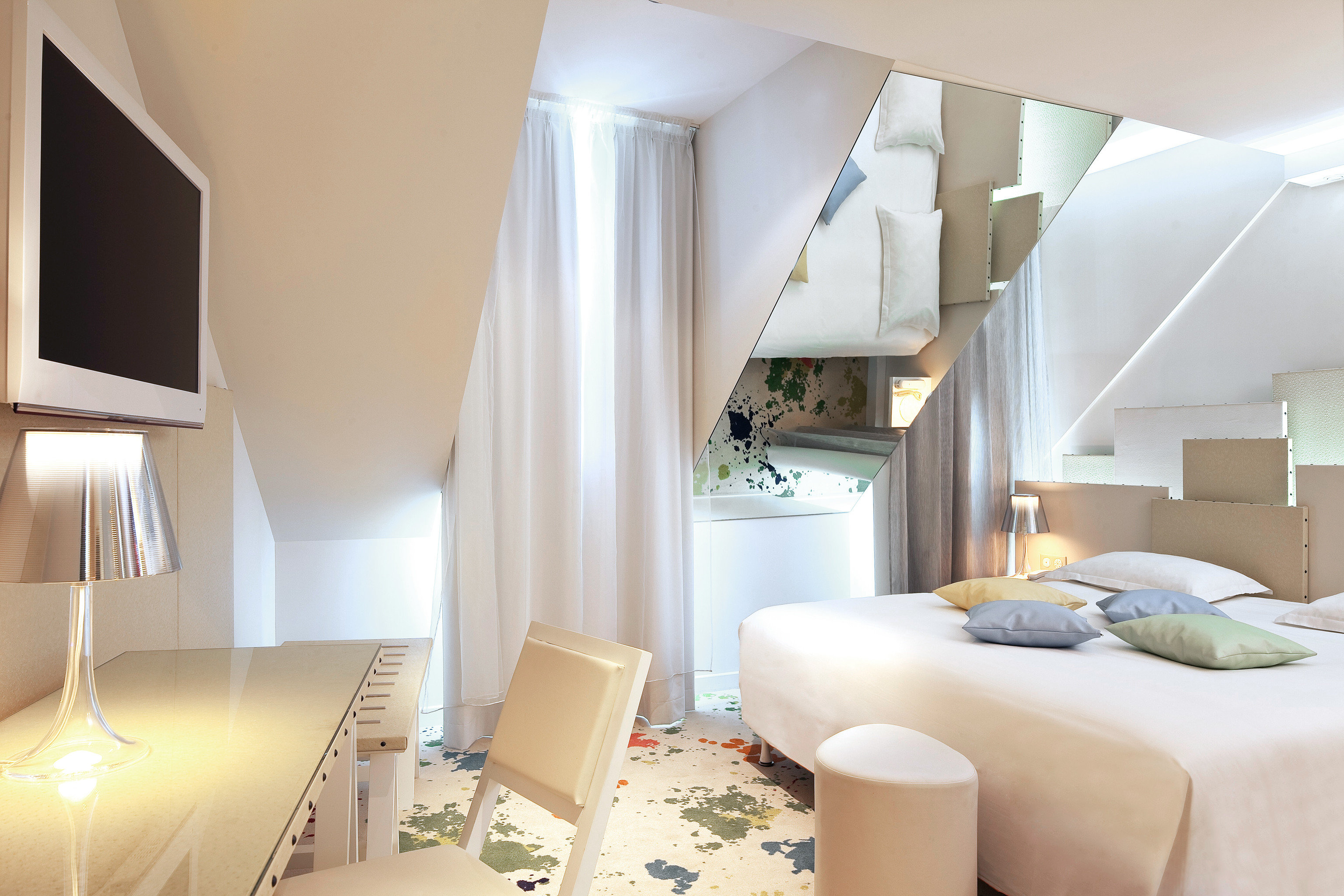 Bedroom Hip Romance Romantic property Suite condominium living room cottage Villa