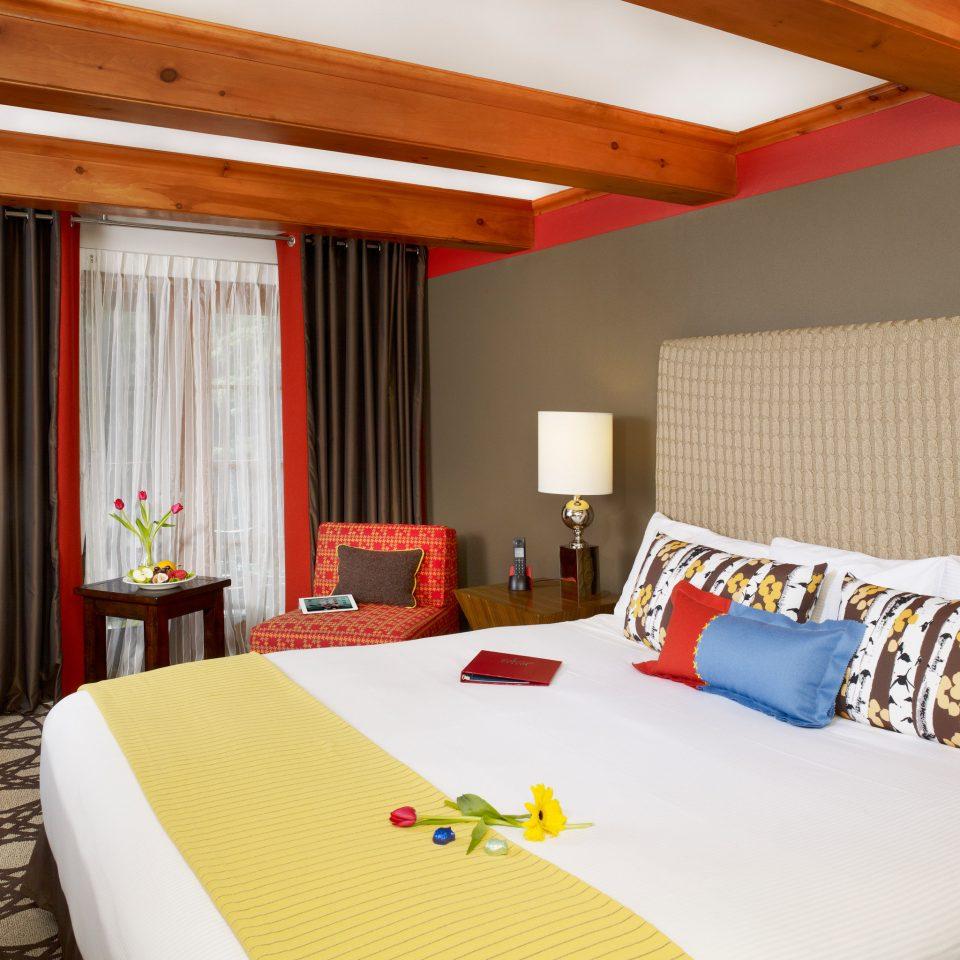 Bedroom Hip property Suite cottage bed sheet