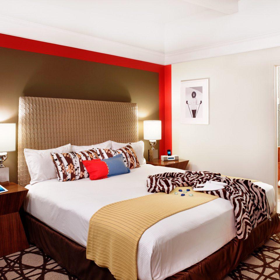 Bedroom Hip property Suite scene cottage bed sheet