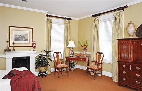 Historic Inn property home Bedroom Suite living room cottage