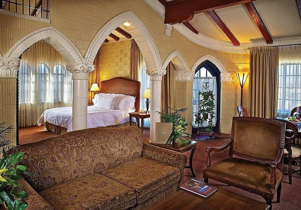 Bedroom Historic Lounge Suite property building mansion Villa home living room cottage hacienda Resort farmhouse