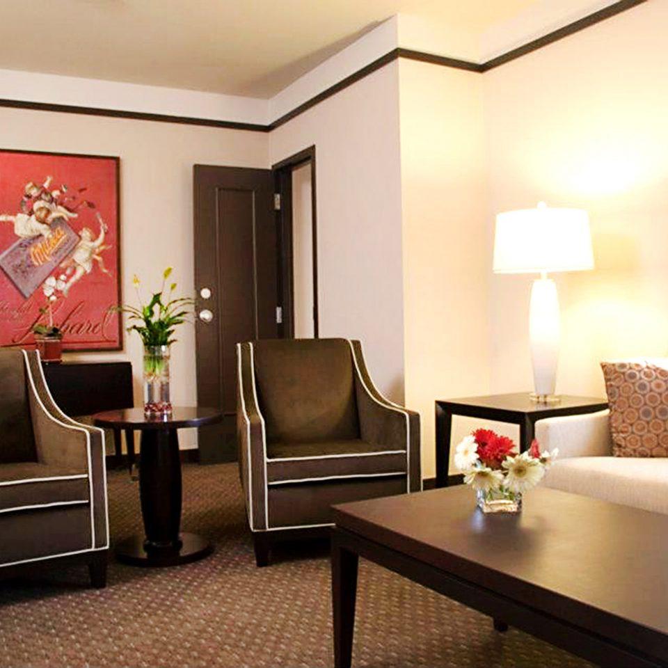 Historic Lounge property living room Suite home condominium Bedroom lamp