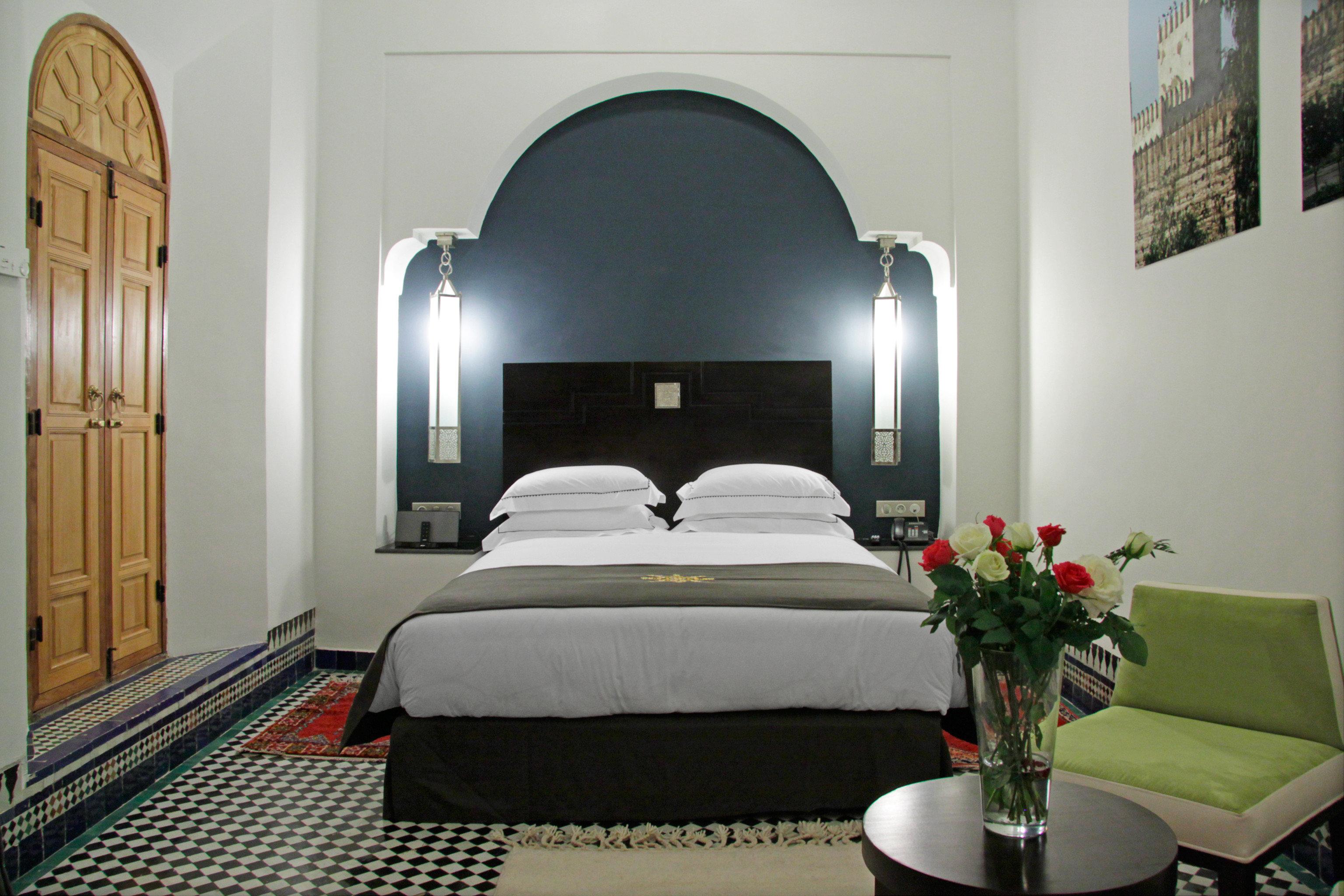 Bedroom Historic Luxury Modern Resort property living room Suite Villa mansion cottage