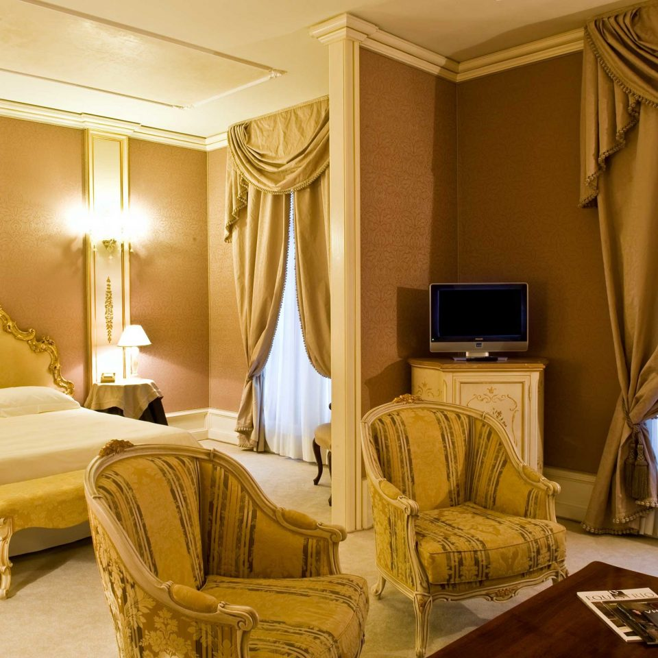 Bedroom Historic Luxury Romance Suite property curtain living room home window treatment