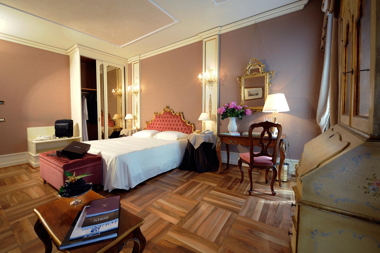 Bedroom Historic Luxury Romance Suite property living room home cottage hardwood Villa
