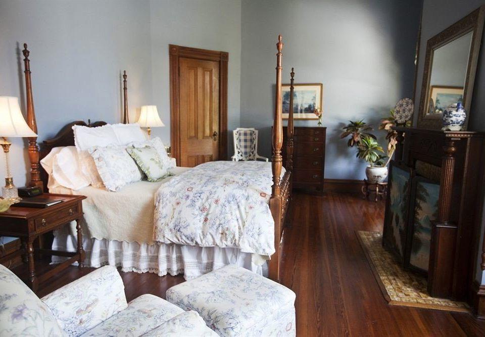 Bedroom Historic Luxury Suite property home cottage hardwood living room farmhouse Villa wood flooring