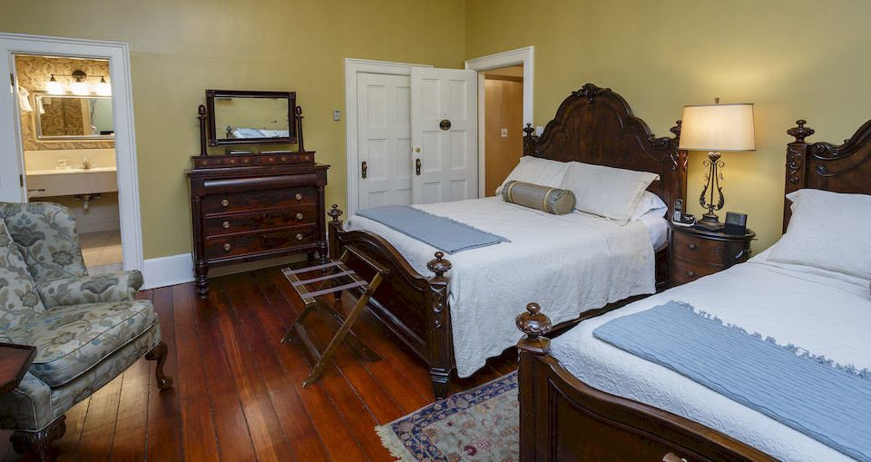 Bedroom Historic Luxury Suite property cottage home Villa