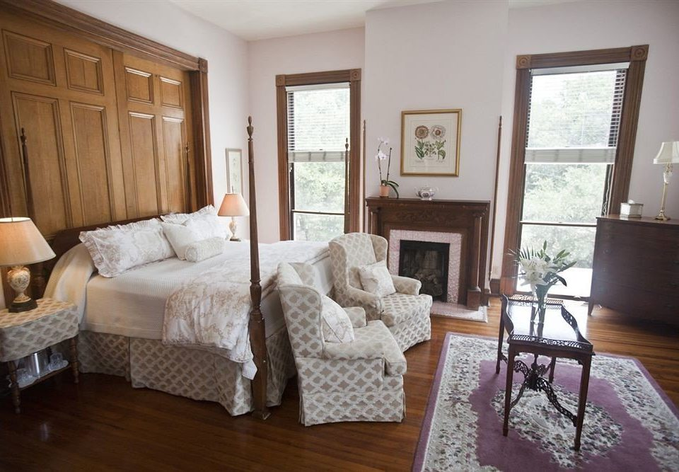 Bedroom Historic Luxury Suite chair property home living room cottage hardwood farmhouse Villa