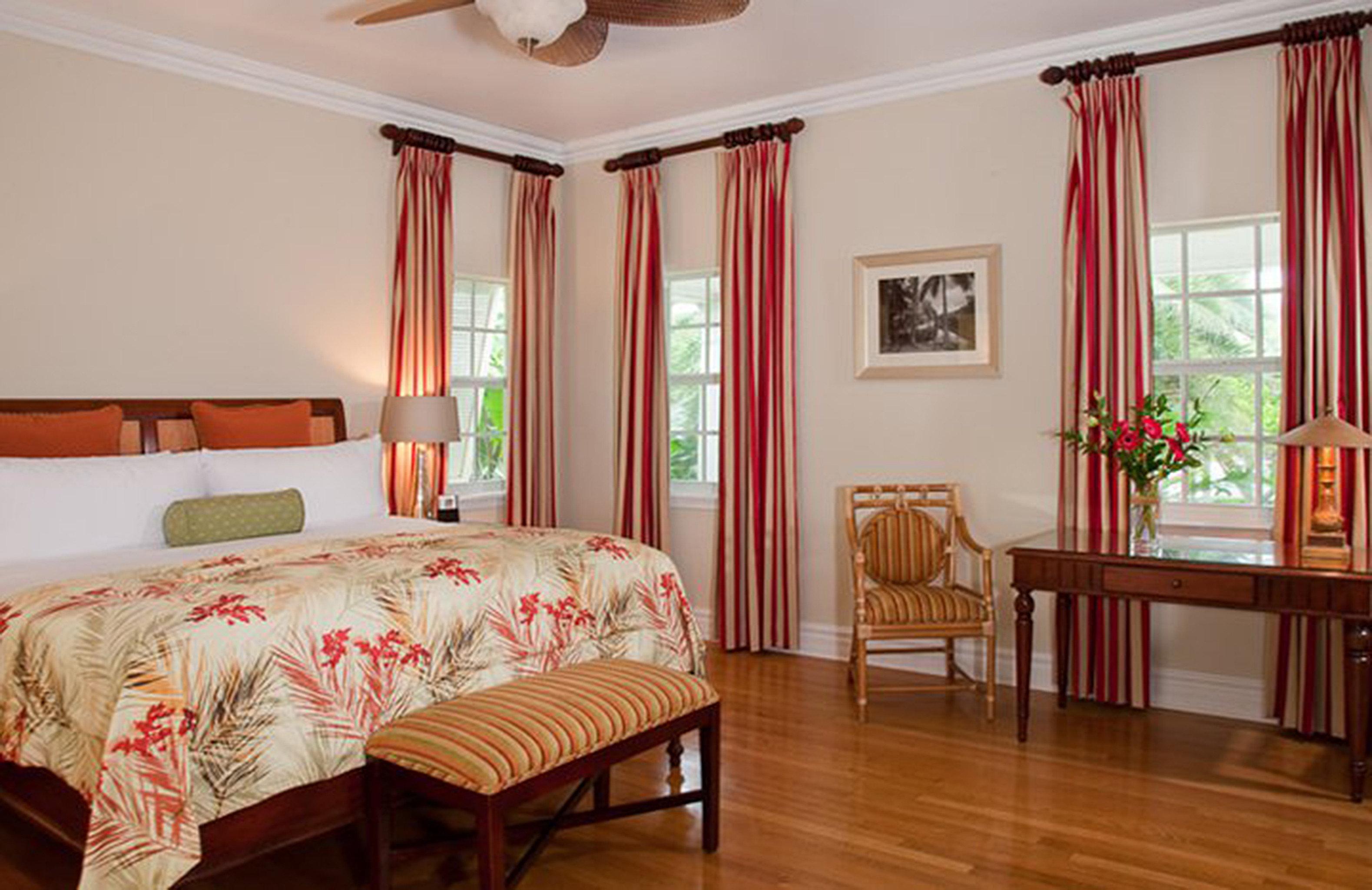 Bedroom Historic Luxury Suite property hardwood home cottage living room Villa farmhouse