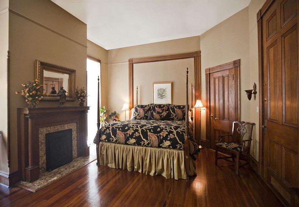Bedroom Historic Luxury Suite property home hardwood mansion living room cottage wood flooring hard