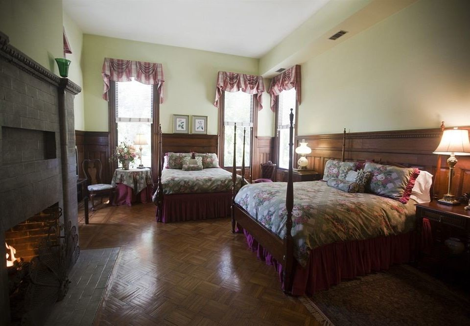 Bedroom Historic Luxury Suite property building cottage Villa home mansion living room farmhouse