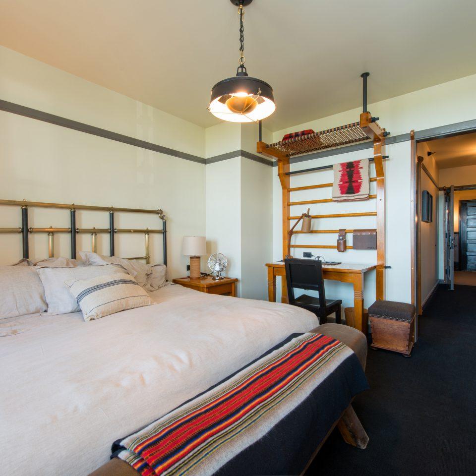 Bedroom Historic Modern property Suite cottage home lamp