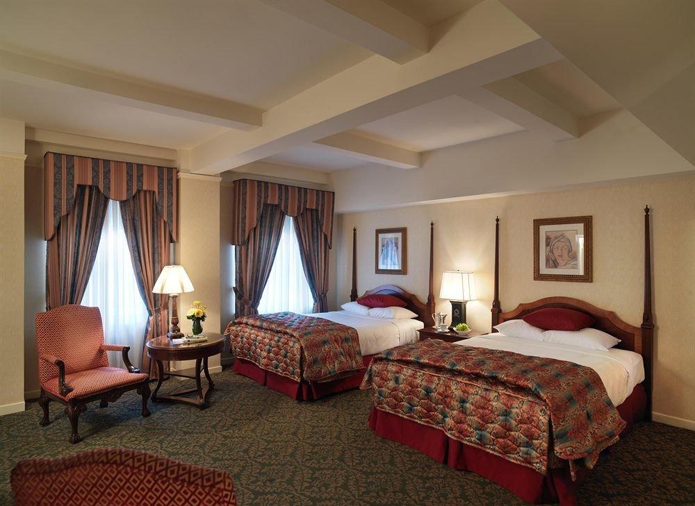 Bedroom Historic property Suite cottage Resort living room Villa