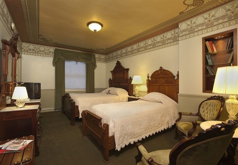Bedroom Historic Resort property Suite cottage living room Villa containing
