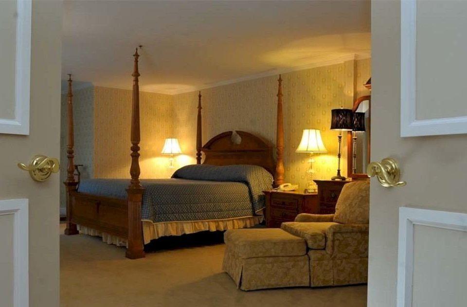 Bedroom Historic Rustic Suite property cottage hardwood living room Villa