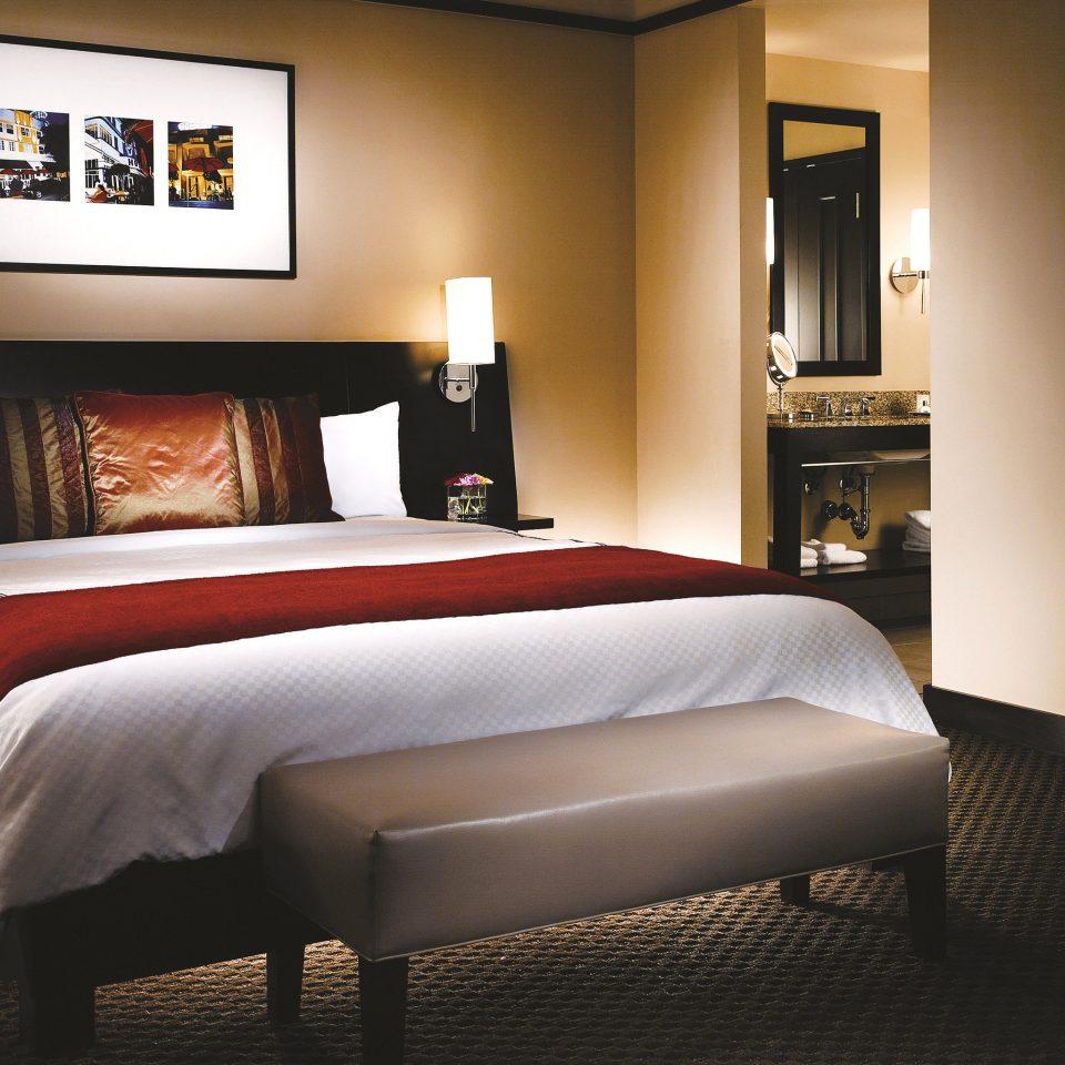 Bedroom Historic property Suite bed sheet living room bed frame