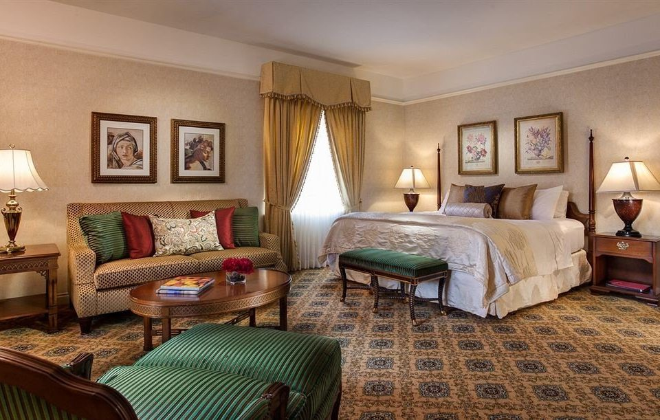 Bedroom Historic sofa property Suite cottage living room home hardwood Villa rug