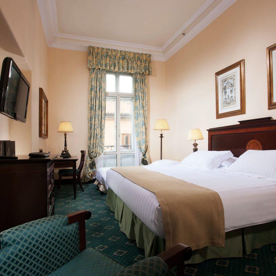 Bedroom Historic property building Suite cottage home Villa mansion