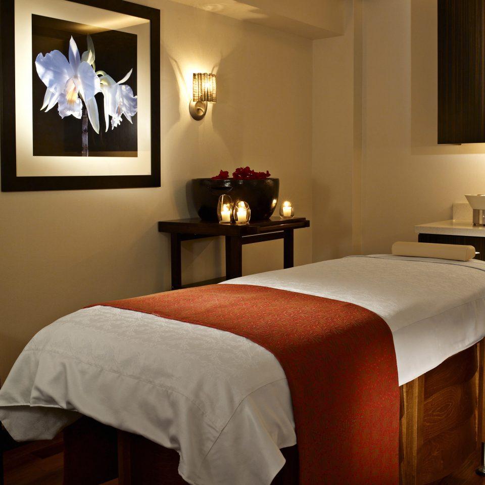 Honeymoon Island Luxury Resort Romance Romantic Spa Wellness Bedroom Suite scene cottage night