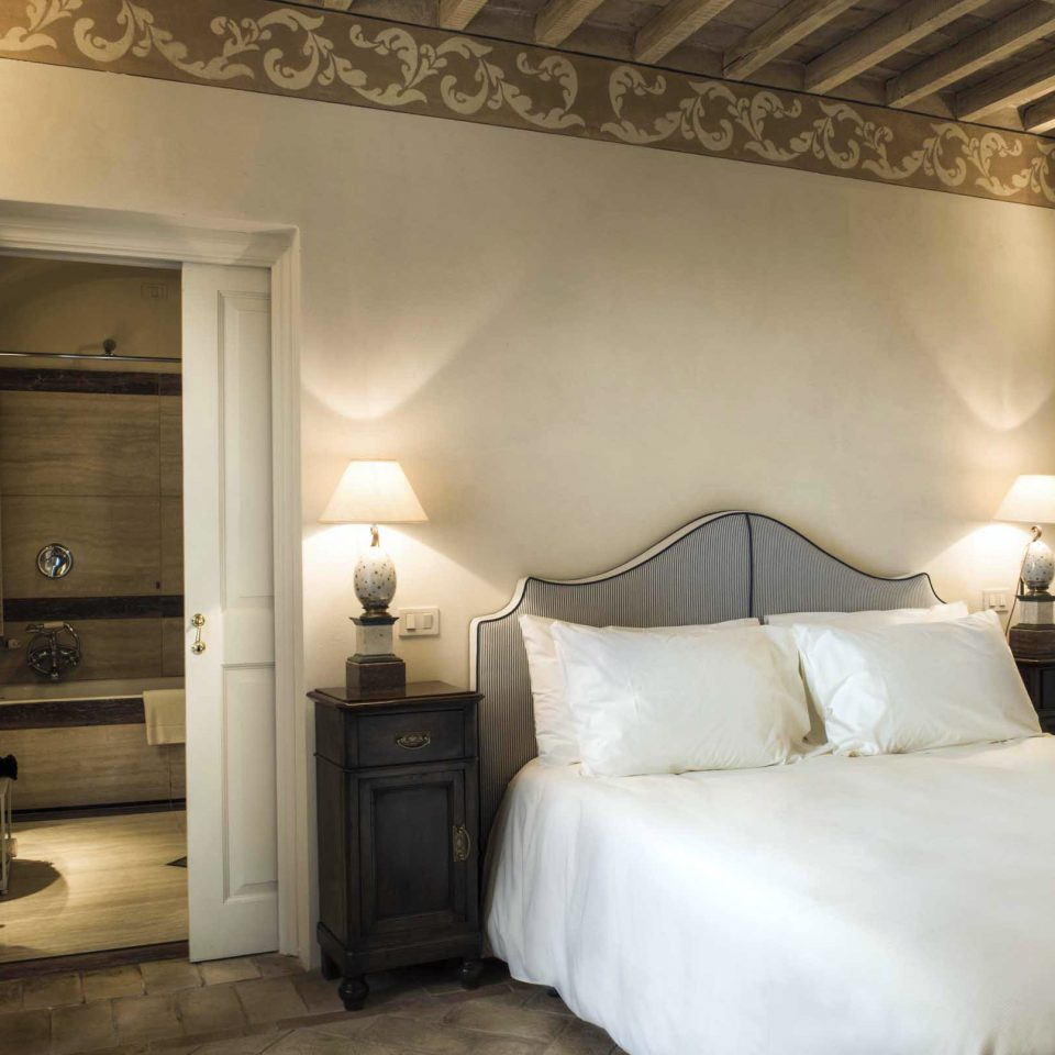Bedroom Honeymoon Italy Luxury Romance Romantic Trip Ideas property Suite cottage tan