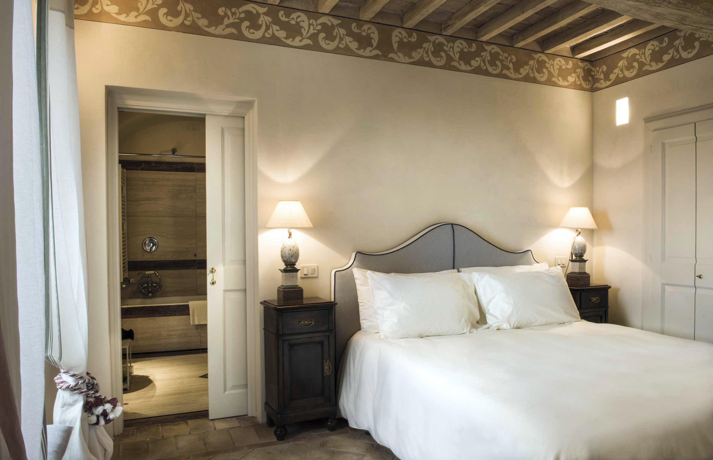 Bedroom Honeymoon Italy Luxury Romance Romantic Trip Ideas property Suite cottage tan