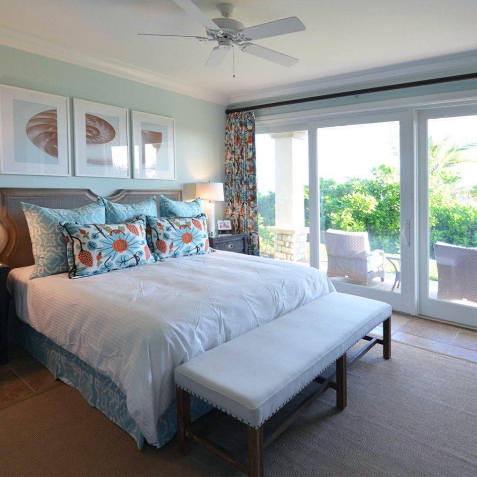 Bedroom Honeymoon Luxury Resort property living room home cottage Suite Villa condominium