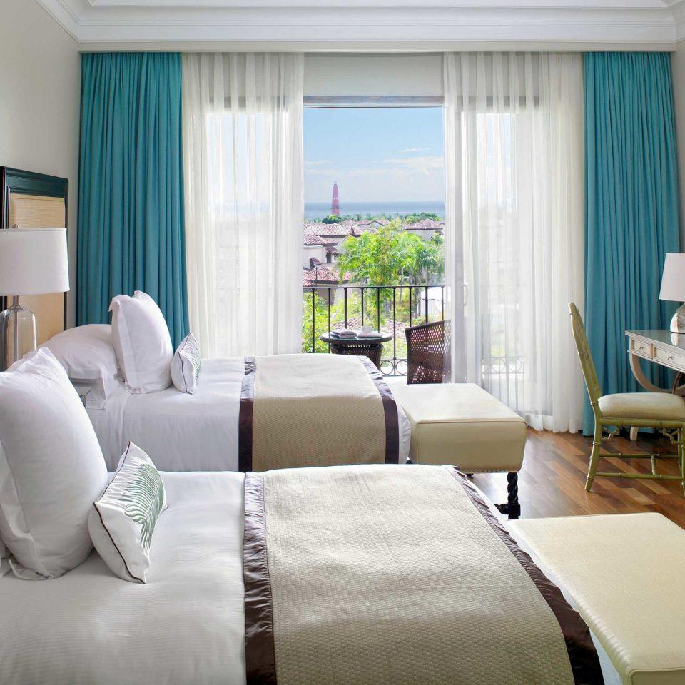 Bedroom Honeymoon Luxury Resort sofa property living room Suite scene home condominium nice cottage bed sheet flat