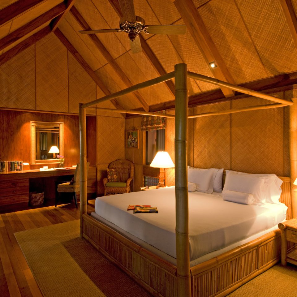 Bedroom Honeymoon Luxury Romance Suite property building house cottage home Villa Resort mansion farmhouse