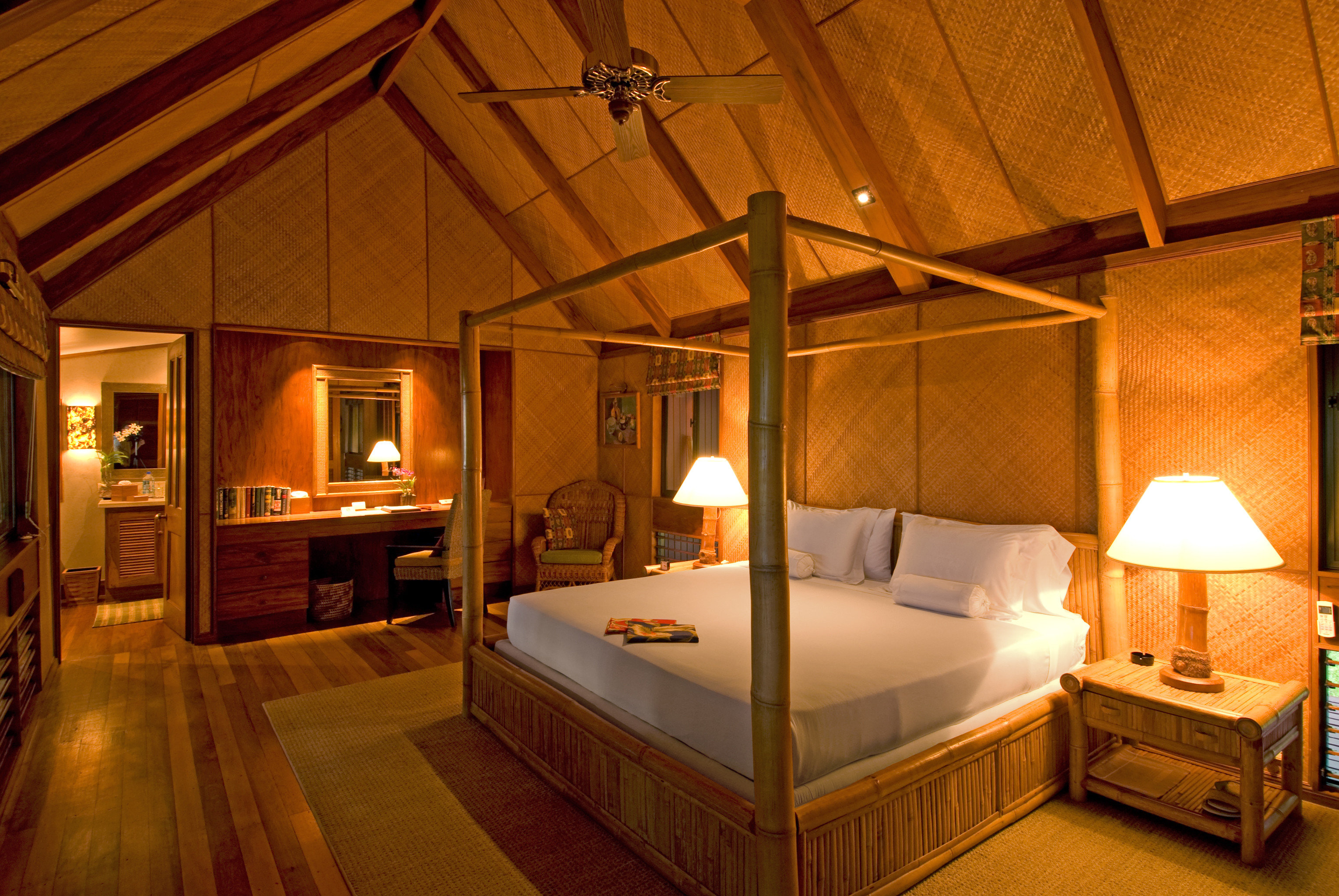 Bedroom Honeymoon Luxury Romance Suite property building house cottage home Villa Resort mansion farmhouse