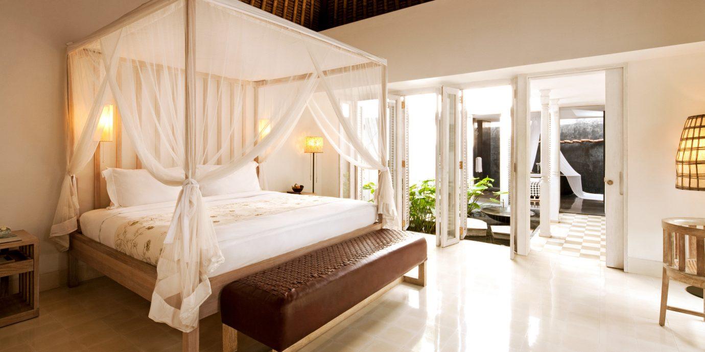 Bedroom Honeymoon Luxury Romance Romantic property Suite Villa cottage mansion