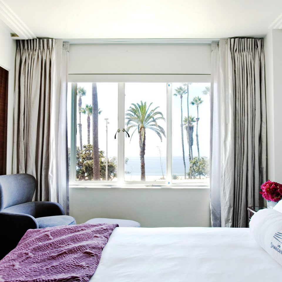 Bedroom Hotels Lounge Luxury Modern Suite property pillow home living room white curtain textile cottage