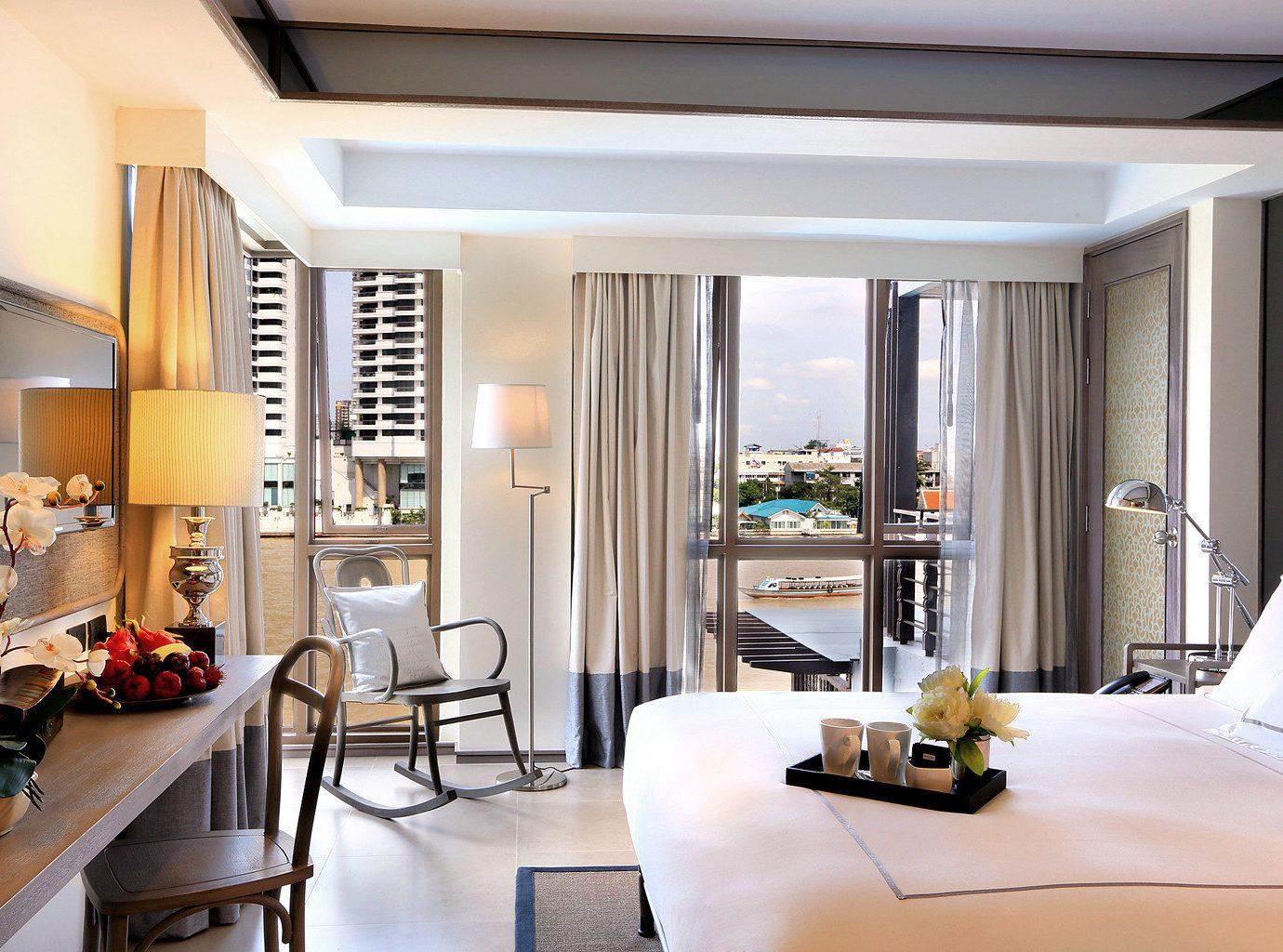 Bedroom Hotels Modern Scenic views Suite property living room condominium home Villa