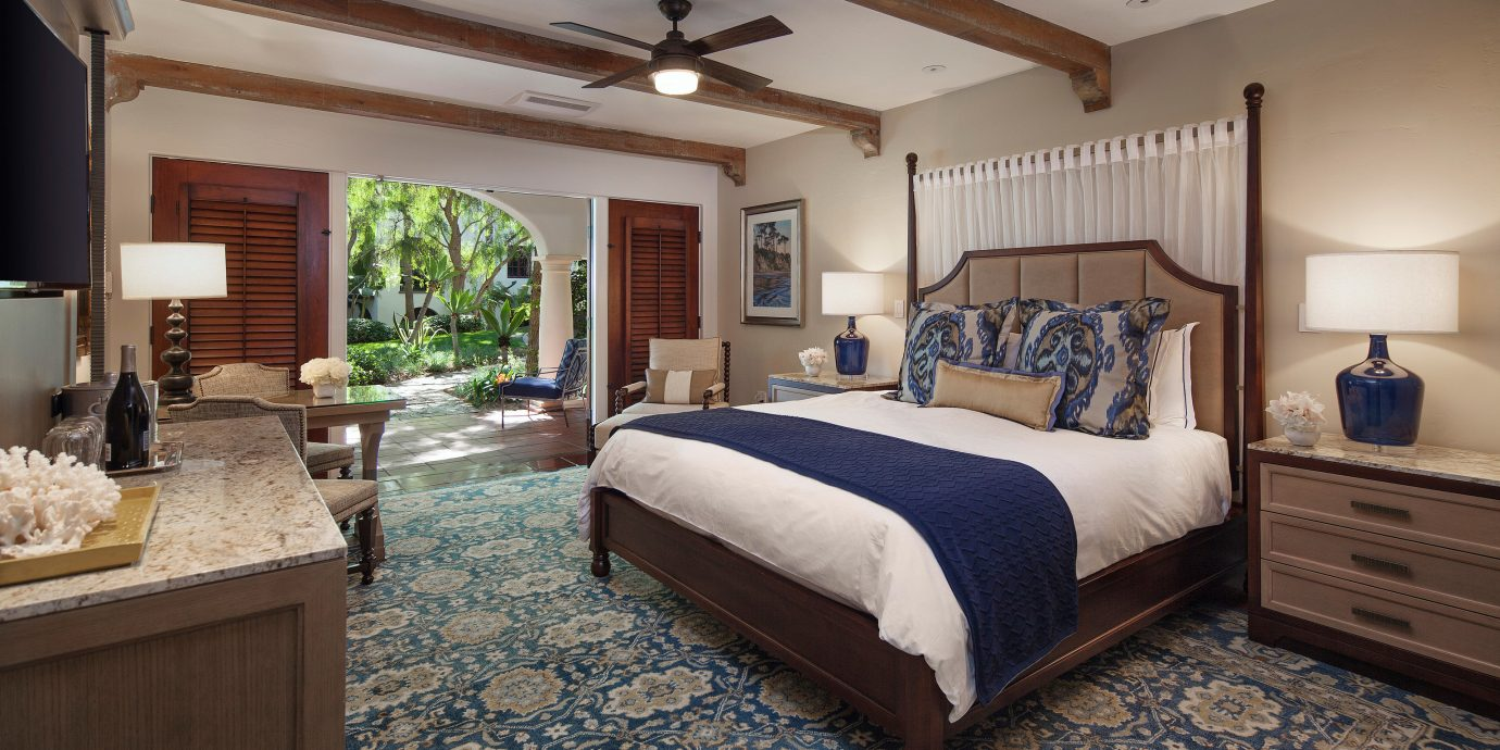 Hotels property Bedroom cottage home hardwood Suite Villa living room
