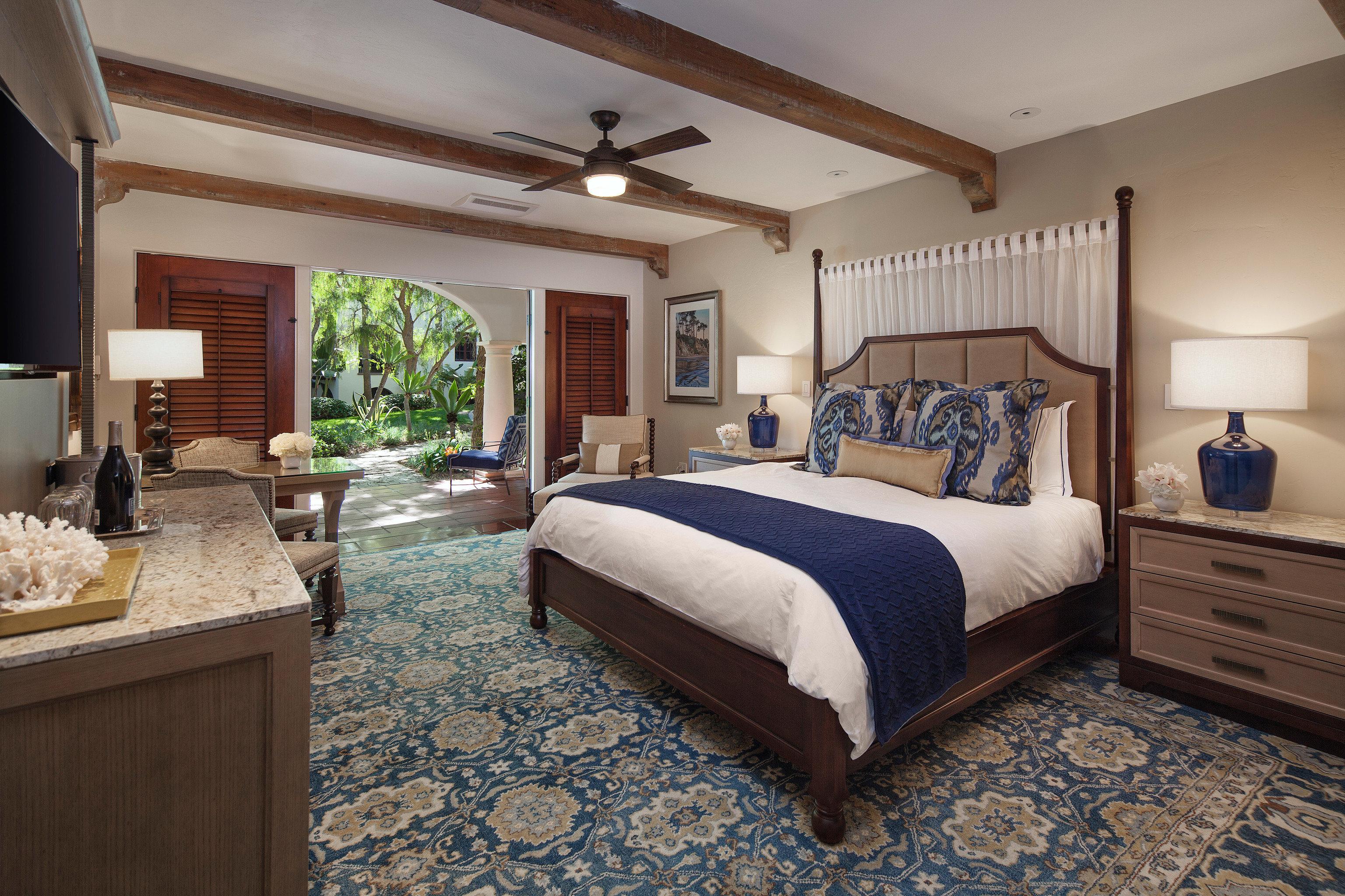 Hotels property Bedroom cottage home hardwood Suite Villa living room