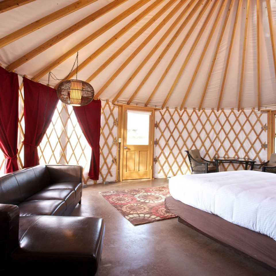Bedroom Inn Lounge sofa property yurt Resort cottage Villa Suite