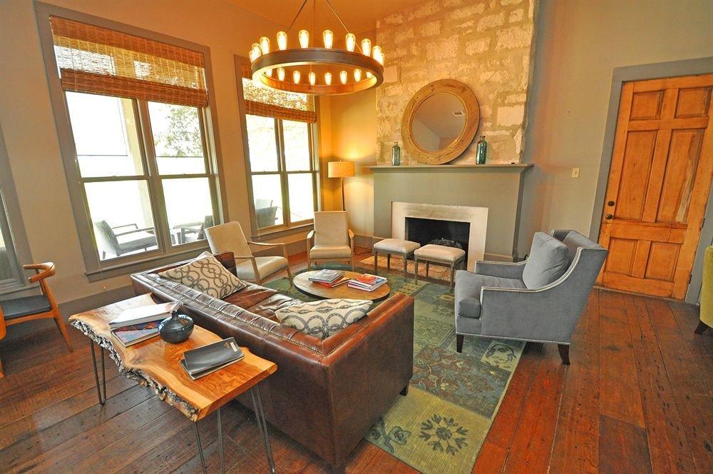 Inn Lounge Rustic property home living room house cottage hardwood Villa farmhouse Bedroom Suite wood flooring
