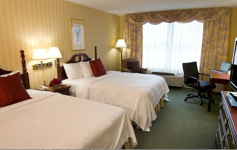 Bedroom Inn Romantic property Suite cottage Villa Resort