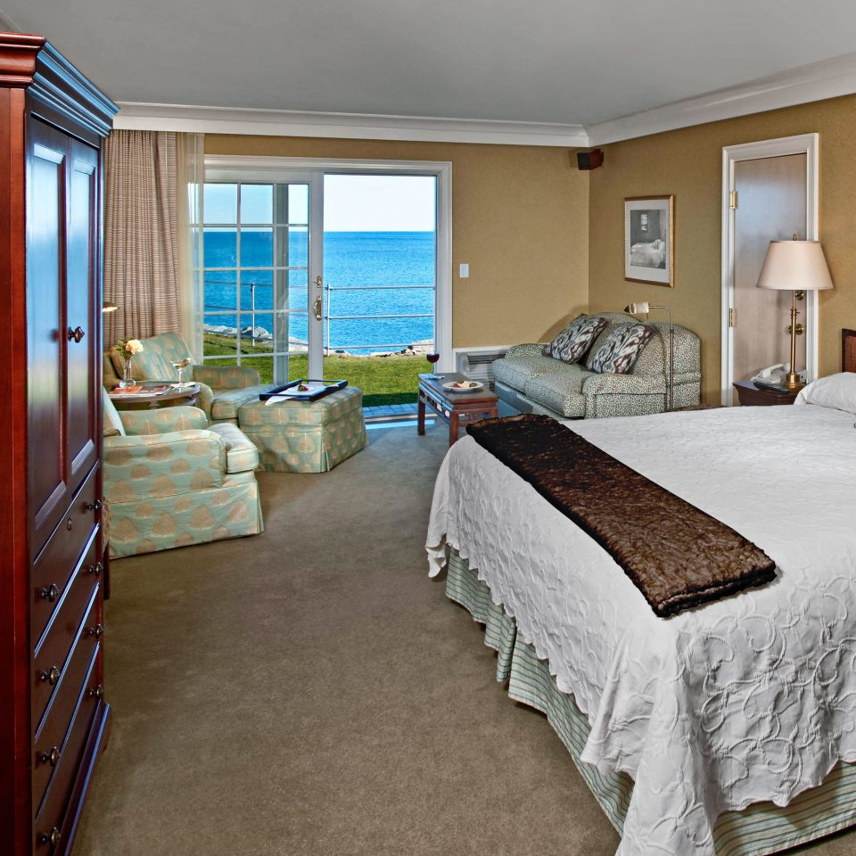 Bedroom Inn Scenic views Waterfront property Suite cottage home