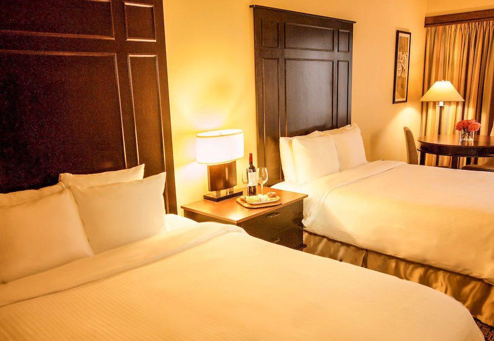 Bedroom Inn property Suite cottage pillow bed sheet
