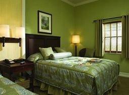 Bedroom green property cottage Suite condominium Inn
