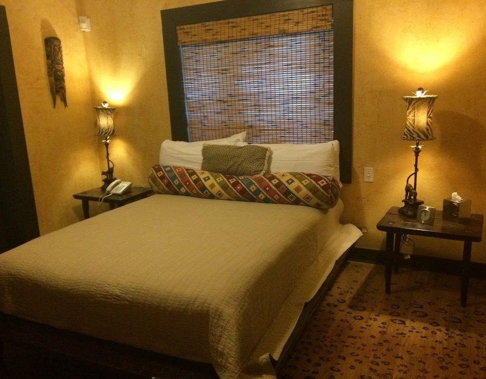 property Bedroom Suite lamp cottage Inn night